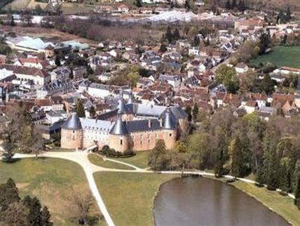 Saint-Fargeau, France  Audioguide gratuit pour iPhone et
